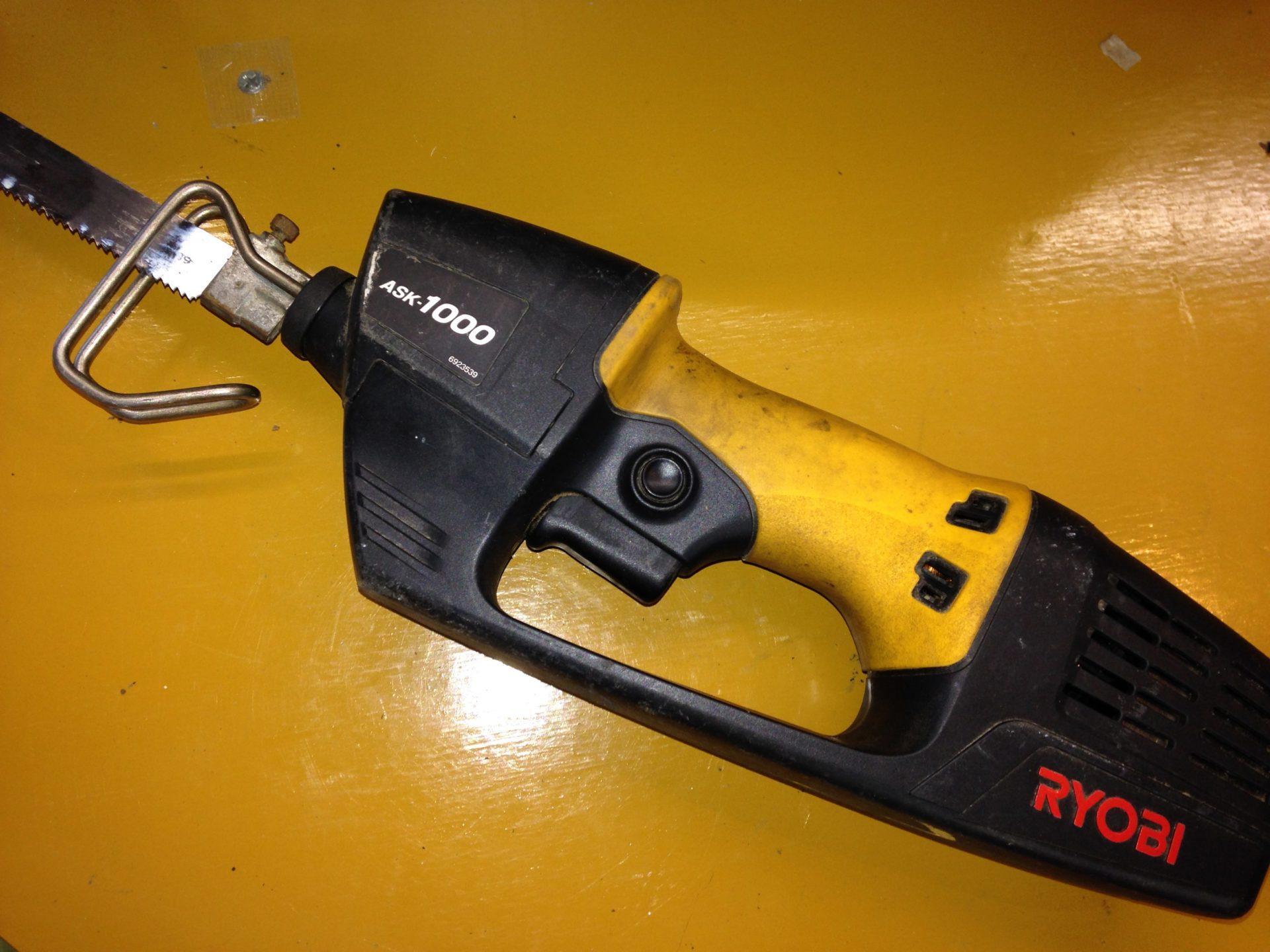 家庭用、電気ノコギリ、RYOBI ASK-1000の修理